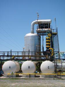 Destilación: Tratamientos de residuos peligrosos y saneamiento #2   Grupo Quimiguay